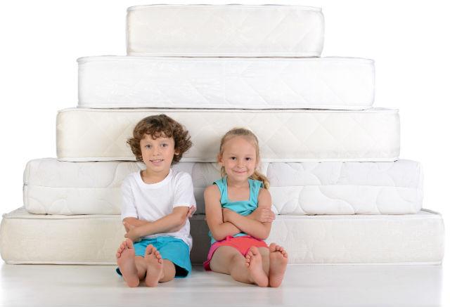 Выбираем детский матрас для комфортного сна ребенка